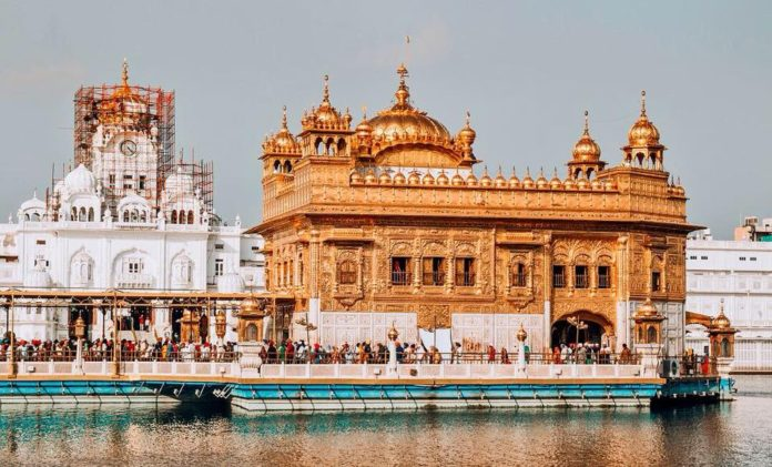 Amritsar Guide: The golden temple.